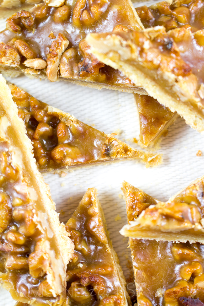 Caramel and Walnut Slice - Super soft, crumbly slice topped with crunchy walnuts and chewy caramel! You HAVE to try this it's crazy good!!