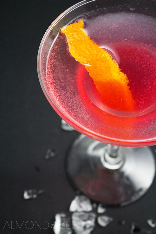 Classic Cosmopolitan Cocktail | almondtozest.com