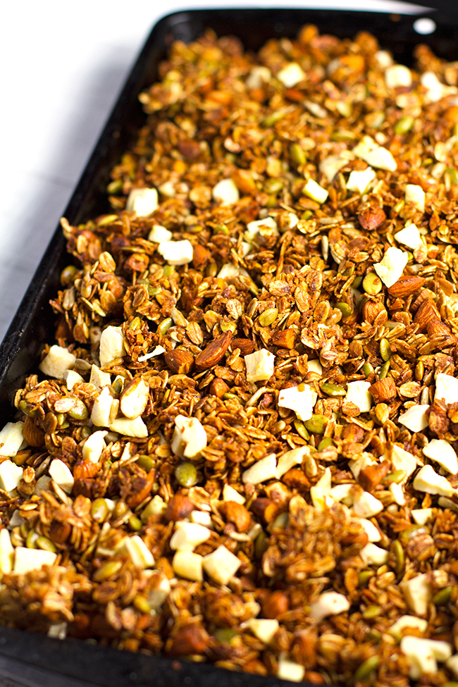 Apple Crumble Granola